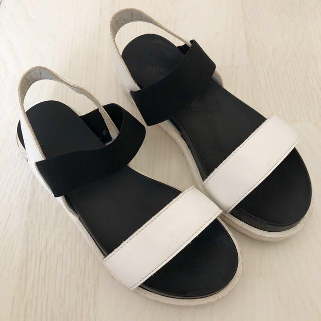 MONOCHROME SANDALS