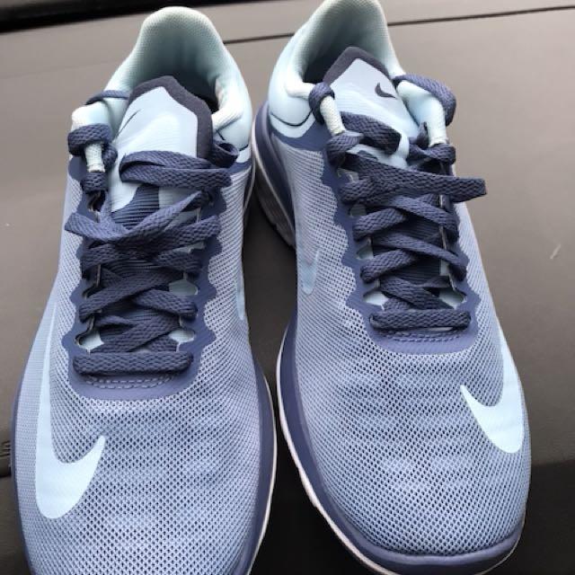 Nike run woman