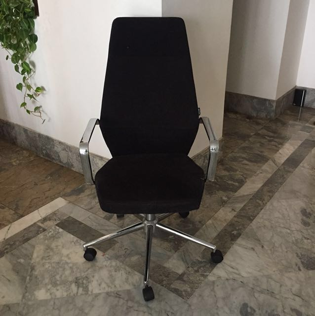 Office chair - kursi kerja Informa like new!✨