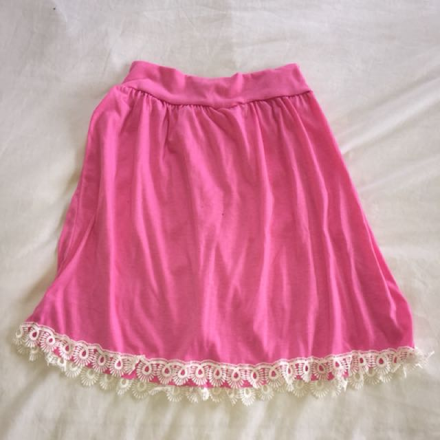 Pink high waisted flowy skirt with lace trim
