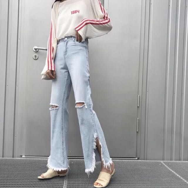 Ripped knee Boyfriend jeans high waisted
