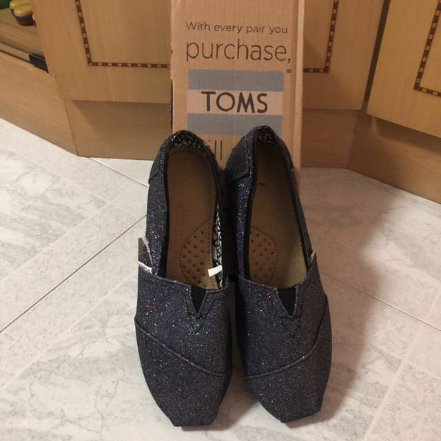 8dd3a8f00c1 Size 7 only    TOMS Classic Women Grey Black Blue Glitter shoes ...