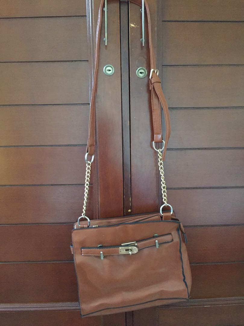 Sling bag chain brown