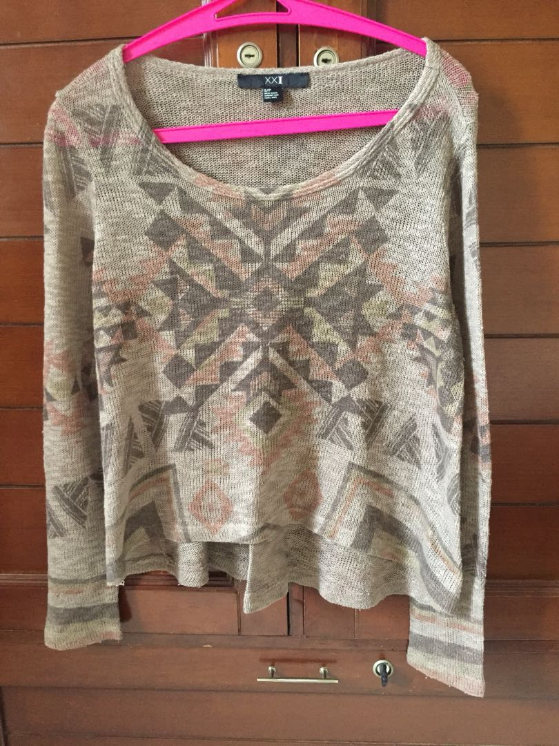 sweater rajut tribal