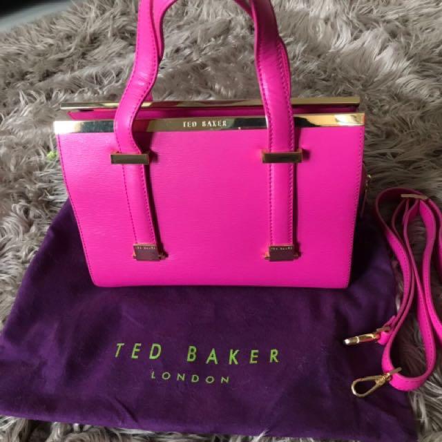 Tas pink sangat cantik😍ted baker ori