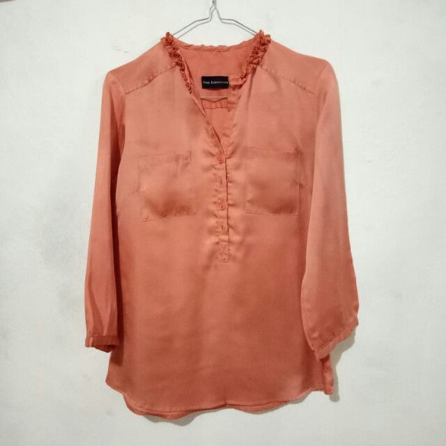 The Executive Peach Top