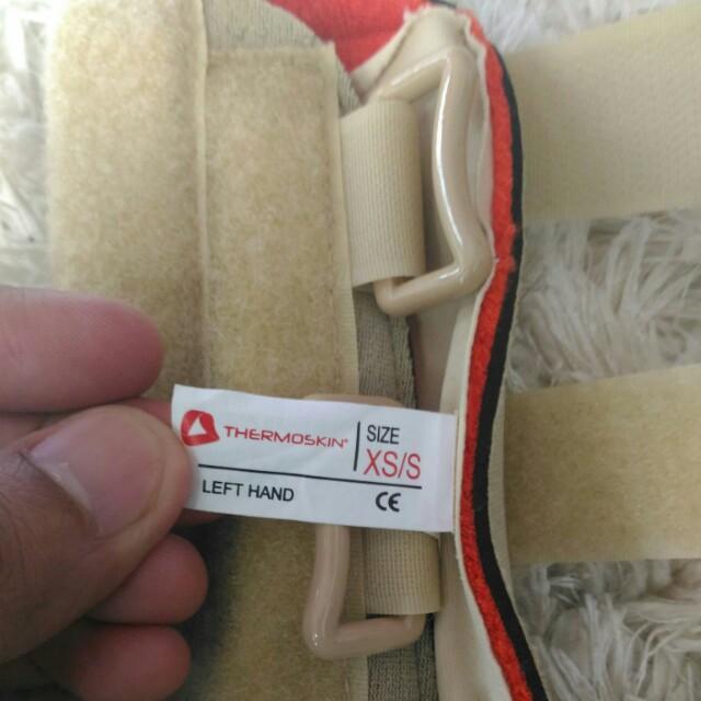 Thermoskin Left Wraist Braces