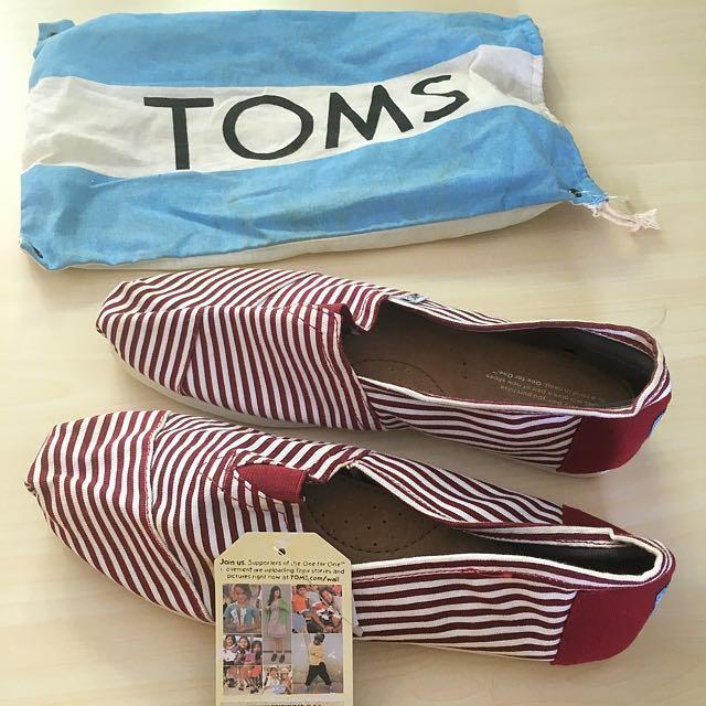 64f653e9e31 Toms shoes M10 UK9