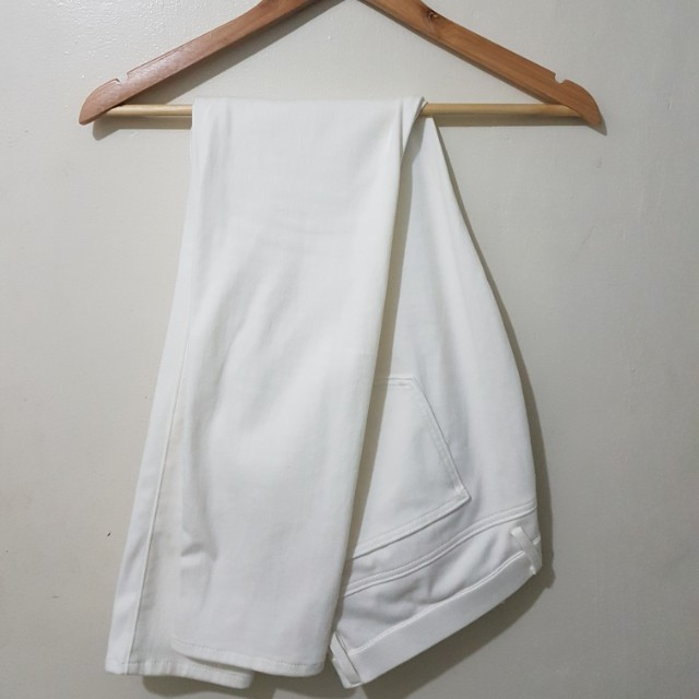 Uniqlo stretchable pants - white