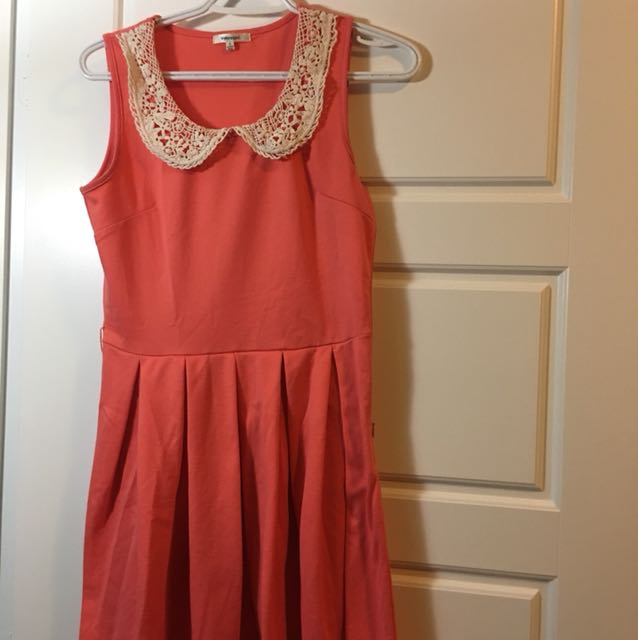Valley girl coral dress size small crochet collar