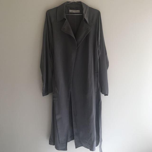 👩🏻💻Zara灰色 風衣 外套