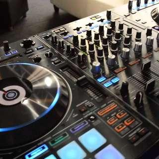 Pioneer DJ DDJ RZ controller