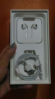 original iPhone 7plus box, earphone and charger