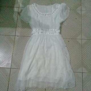 white dress chifon
