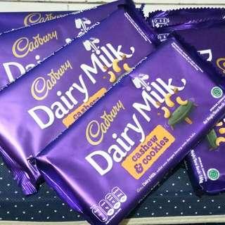 """Promooo.. Coklat Cadbury Dairy Milk""""cashew & cookies"""""""
