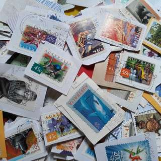 100 STAMPS LOT - AUSTRALIA Big Sized Randomly Selected - on Paper - Many Thematic
