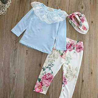 Blouse with floral pants free headband