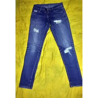AMCO Ripped Jeans