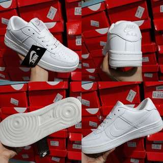 NIKE AIRFORCE 1 ALL WHITE