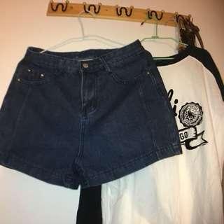 牛仔直筒顯瘦彈性短褲