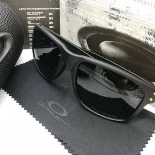 SUMMER SHADES OAKELY   Holbrook Polarized   W/package