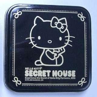 包郵 secret house hello kitty 襟章 絕版 鎖匙 蘋果 屋仔