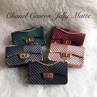 Chanel cevron jelly mate maxi 22cm