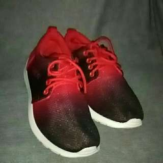 FASHION SHOES (Red and Black color)