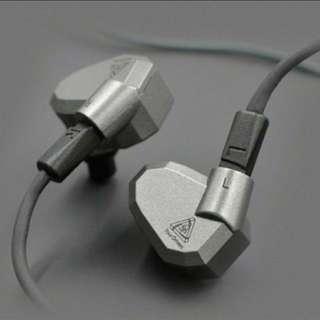 入耳式KZ ZS5耳機
