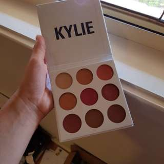 Authentic kylie cosmetics burgundy palette eyeshadow
