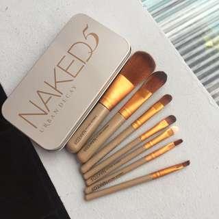 Naked 5 Brush Kaleng Set of 7