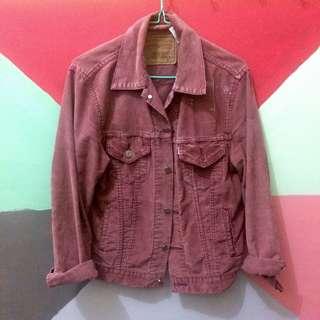 Jaket denim merah Levi's thrift vintage 90s old preloved