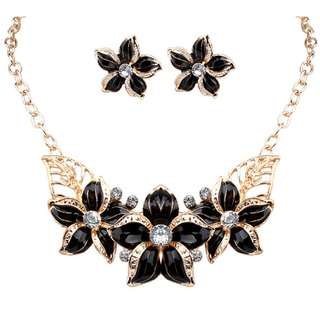 Necklace Set (necklace + earrings)