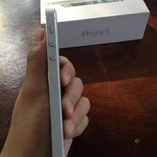 Iphone 5 16gb -32gb free case/ free tempered