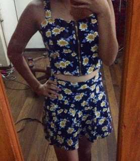🌺 Floral top with skirt