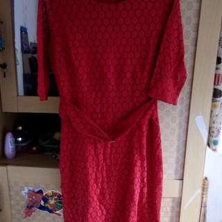 Dress merah broklat