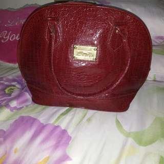 Tas kulit LV kw merah