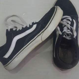 Original Vans Old Skool Men US Size 7 Women US Size 8.5 Colour Black and White Made in China No Box