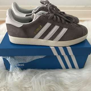 Adidas women's gazelle shoes