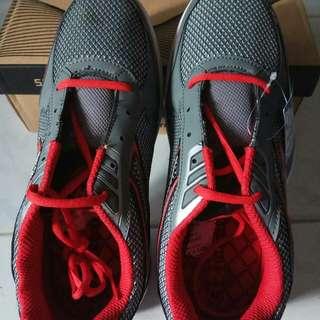 Sepatu Sport Pria New era