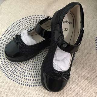 Pediped Naomi black shoes size 32