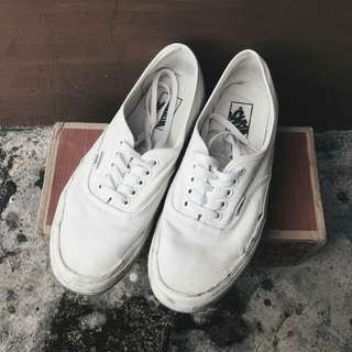 Vans authentic true white size 9