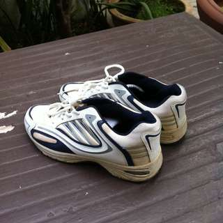 Run Active men running shoes Size 43. Used only a few times and in good condition.