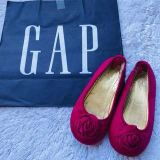 Gap pink doll shoes 3-4yo