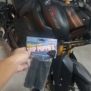 GRIP PUPPIES INSTALLED ON YAMAHA SUPER TENERE ON 15/2/2018