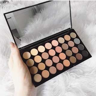 Makeup Revolution Flawless Matte Palette