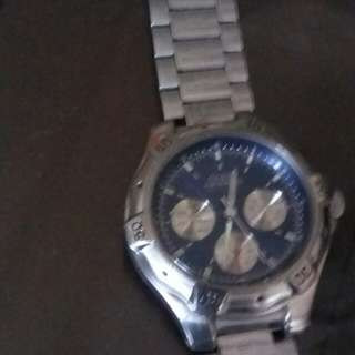 Authentic Womens  Guess watch orig price 8k selling it for 1,500 only