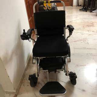 Motorised wheelchair PW-1000XL including 3 batteries and 1 external charger