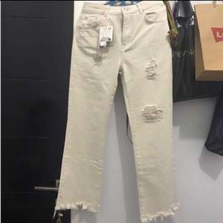 Pull&Bear ripped white jeans