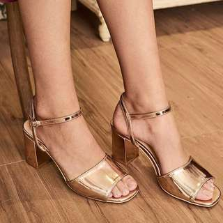 eu38 TCL Meri Low Block Heels in Rose Gold